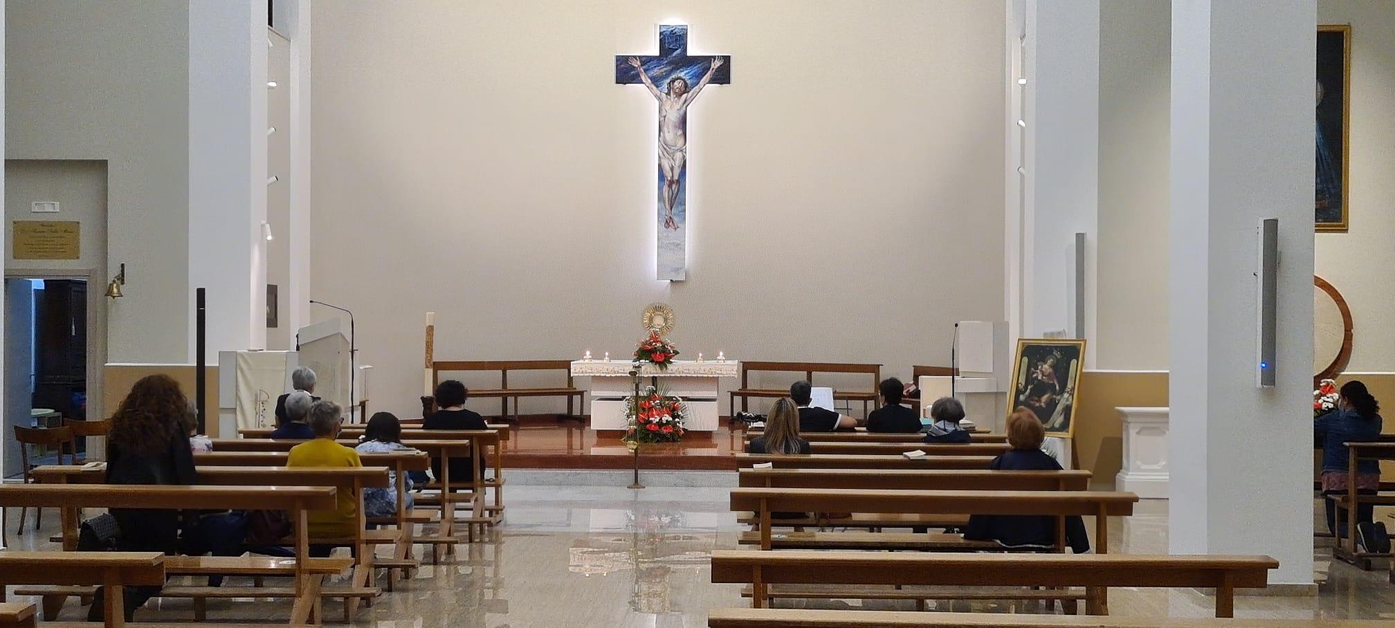 Riparte l'Adorazione Eucaristica